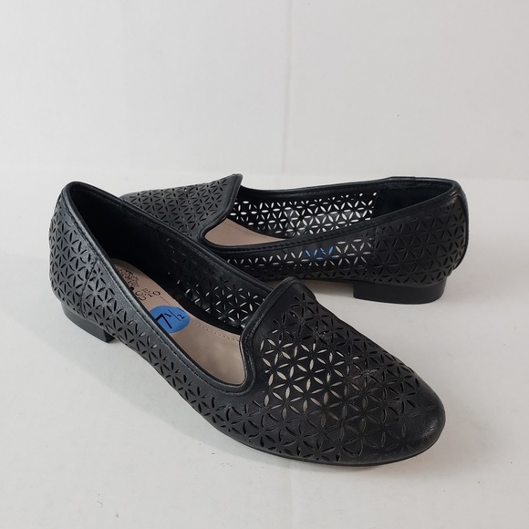 ee002ada100 Vince Camuto Shoes Lancer 7 5 Flat Cut Out Black